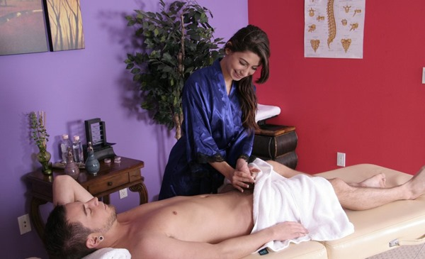 massage-parlor-handjob